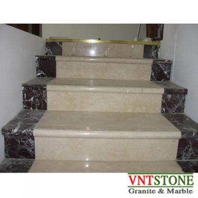 Cầu thang lát đá marble Crema Marfil