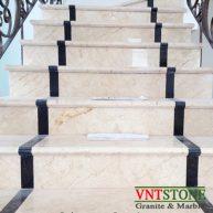 Đá ốp lát cầu thang - Cầu thang đá kem Nova