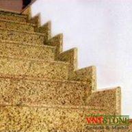Đá ốp cầu thang granite Vàng Bình Định Đậm