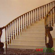 Cầu thang ốp đá cẩm thạch Crema Marfil