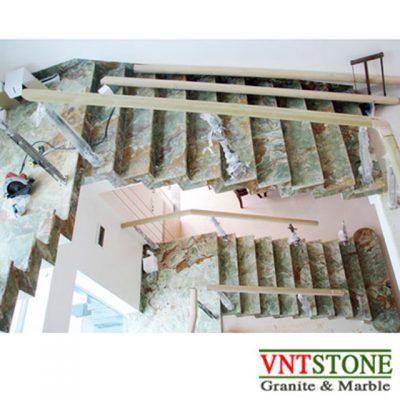 Đá ốp lát cầu thang - Cầu thang đá Xanh Onyx