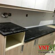 Đá Granite ốp mặt bếp Black Forest