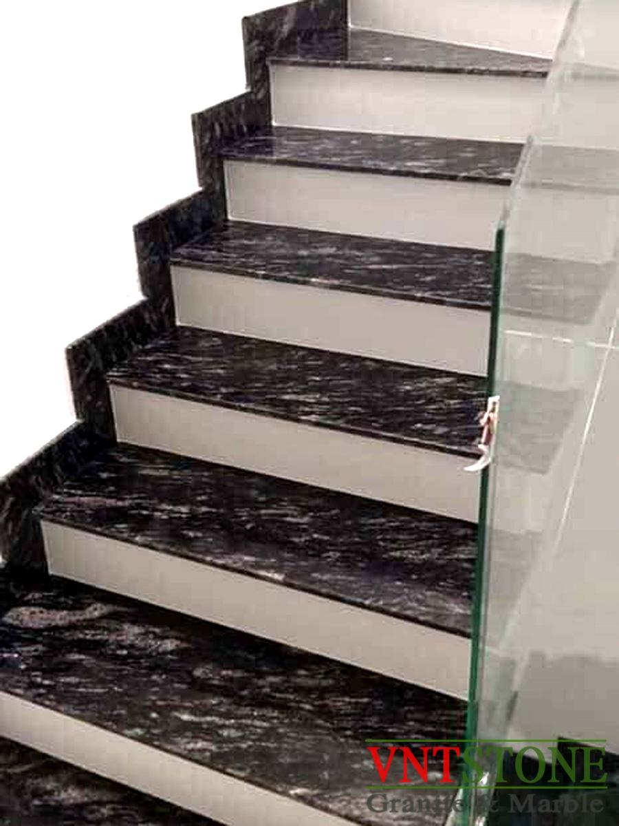 Cầu thang đá Đen Nhiệt Đới cổ trắng