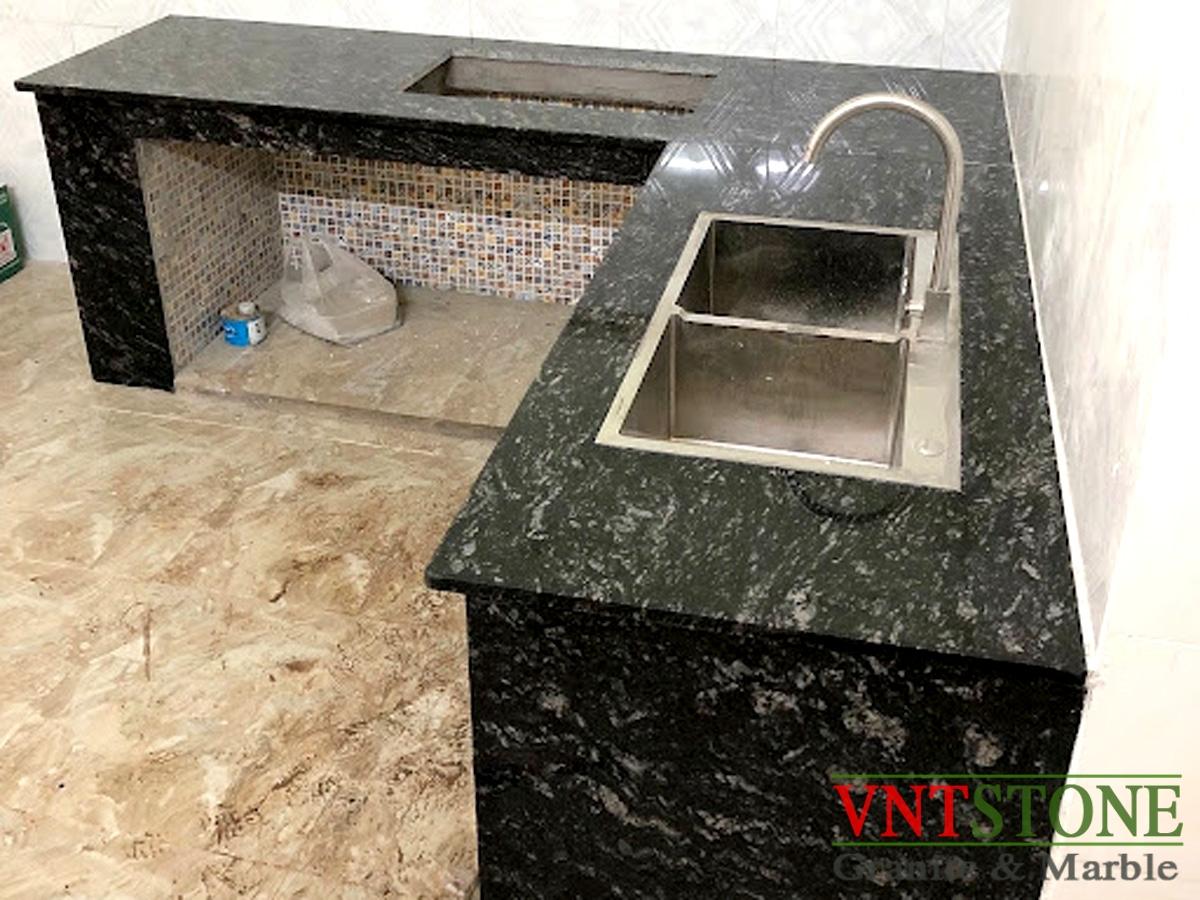 Đá Granite Đen Rừng ốp mặt bếp