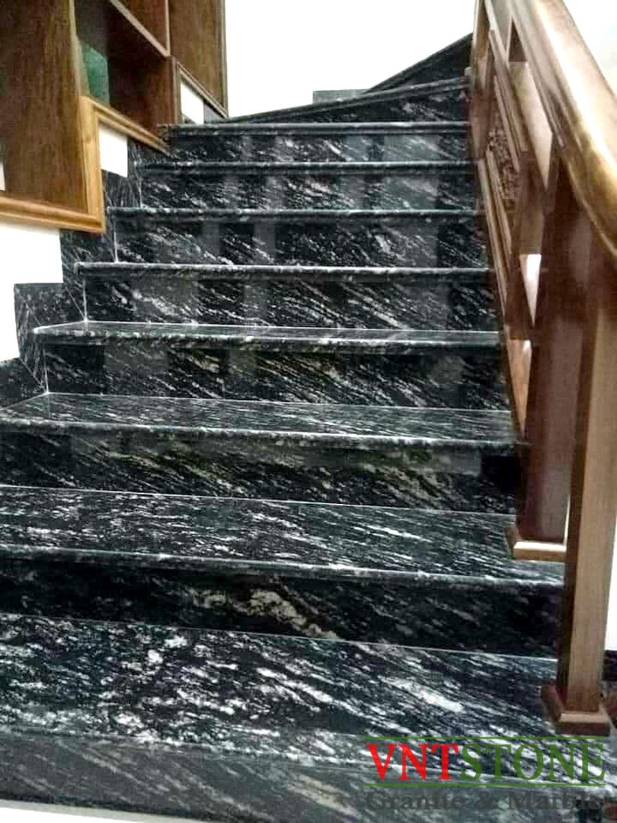Đá hoa cương Đen Rừng ốp cầu thang